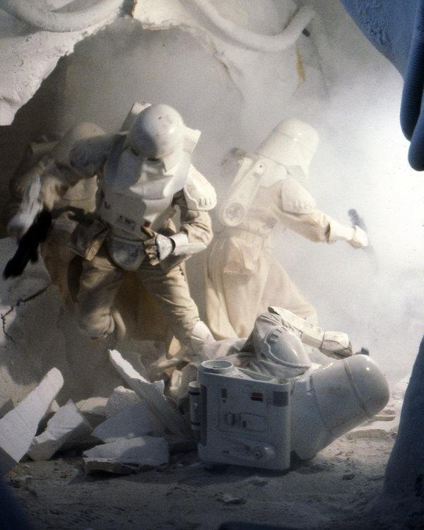 Snowtroopers4_(1).thumb.jpg.b7feb3d52b07272e30f469c838e3d509.jpg
